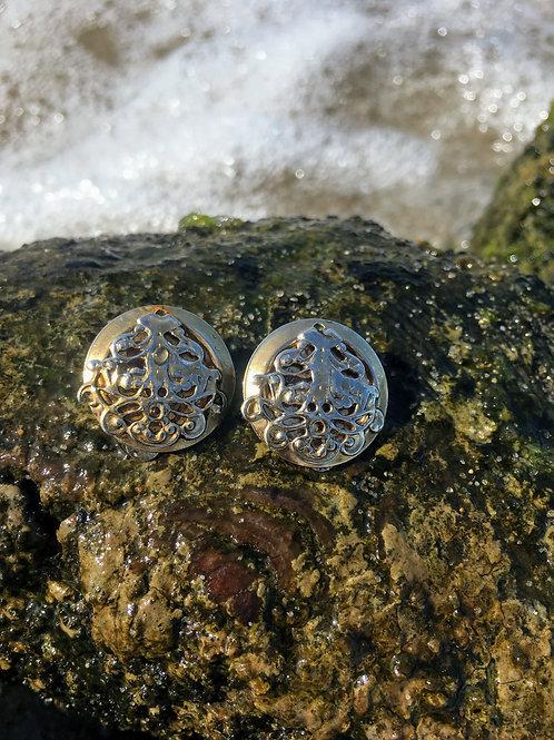 Vintage silvery clip on earrings.