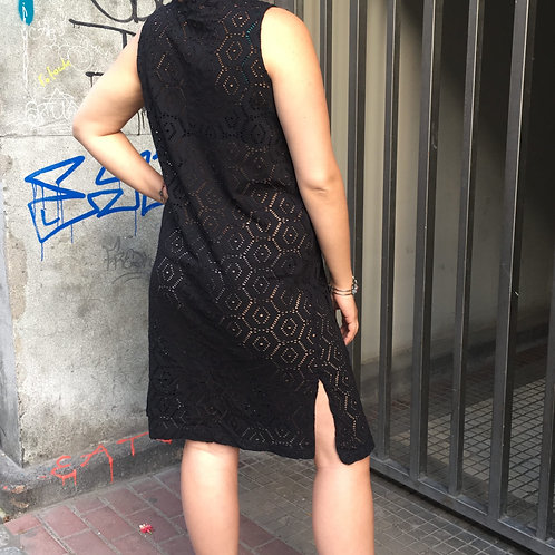 Vintage black lace dress tied at the front 40