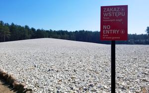 The mass grave memorial site at Sobibor where Hartog & Hester Gosselaar's lives ended.