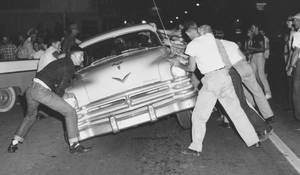 Whites riot in Clinton, Tennessee.