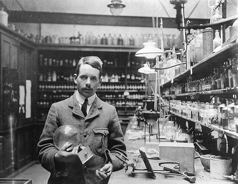Physicist Henry Moseley in his lab at Trinity College.