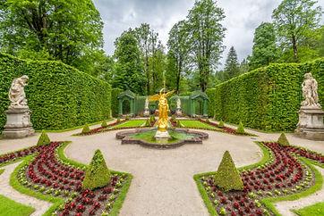 Linderhof-Palace-e1574882634694.jpg
