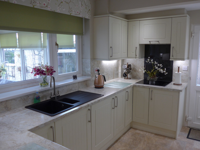 IVORY SHAKER KITCHEN SUPPLIED & FITTED 2018