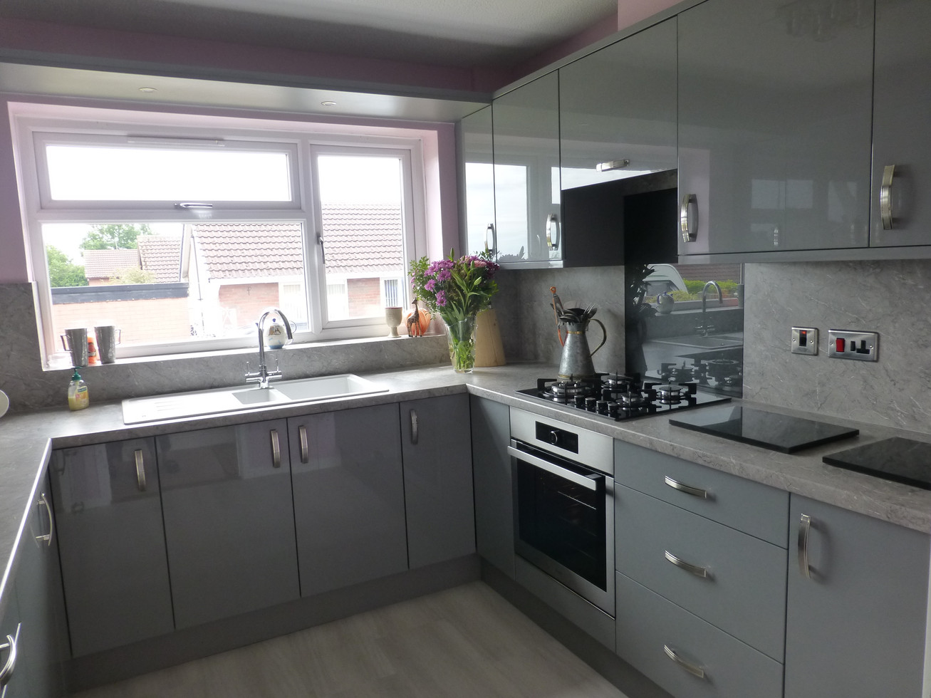 GLOSS DUST GREY KITCHEN SUPPLIED & FITTED 2019