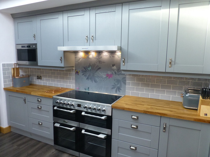 DUST GREY KITCHEN SUPPLIED & FITTED 2018