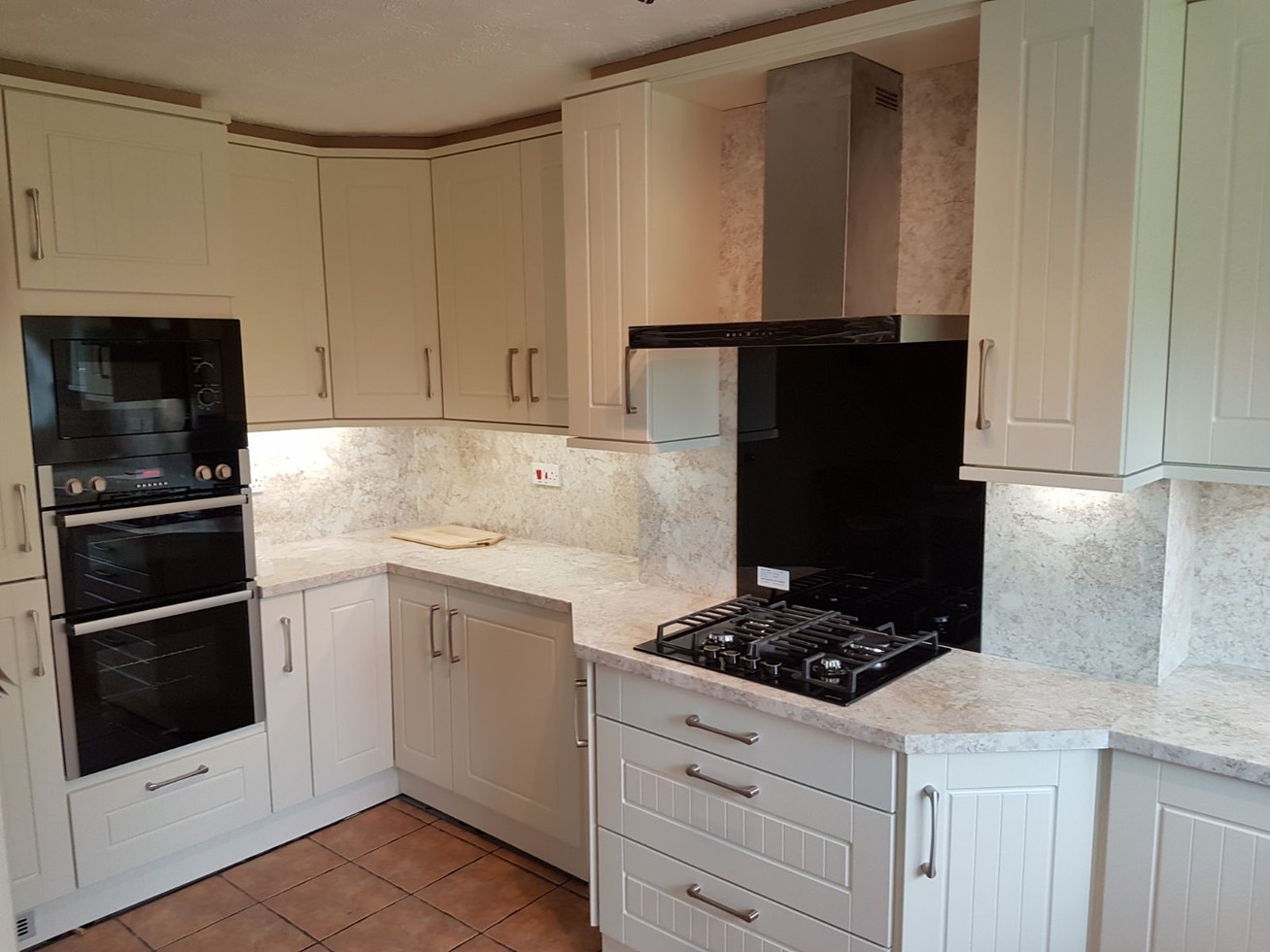 IVORY KITCHEN SUPPLIED & FITTED BY ROYALE CUISINES