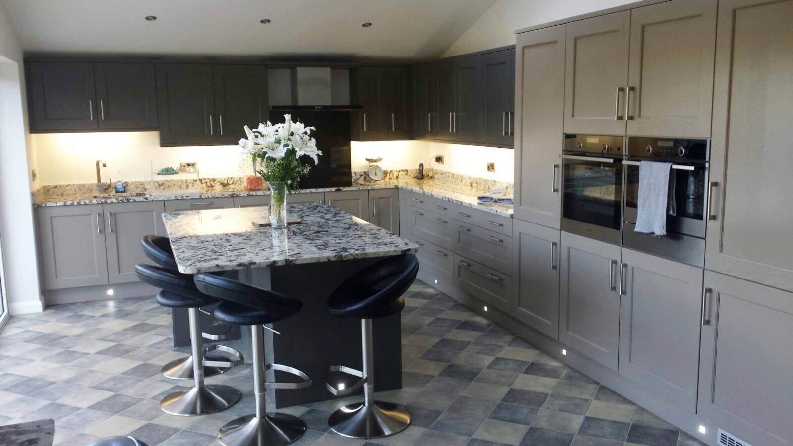 PAINTED SHAKER KITCHEN SUPPLIED & FITTED BY ROYALE CUISINES
