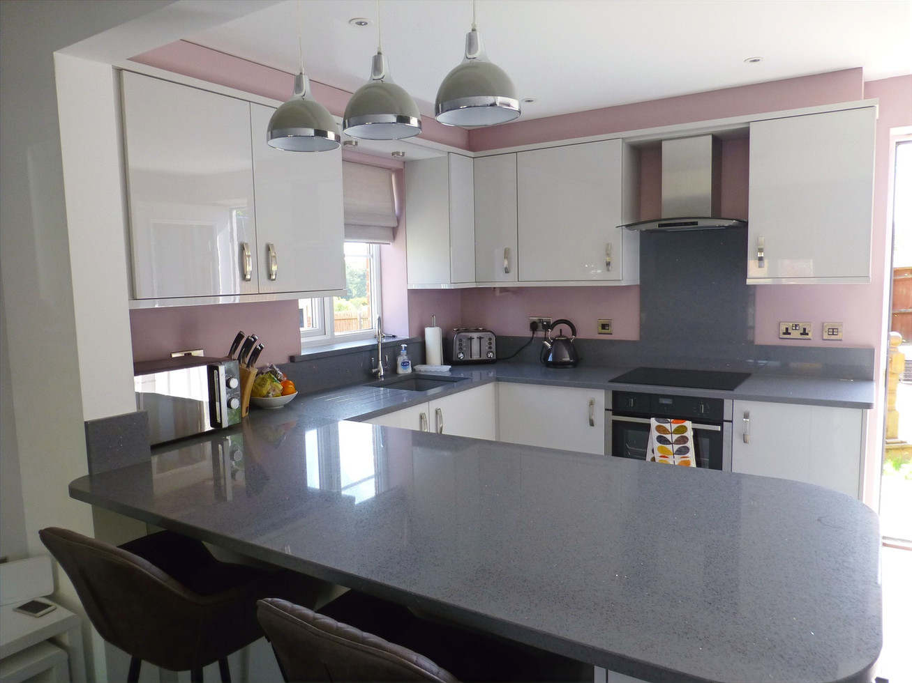 LIGHT GREY GLOSS KITCHEN SUPPLIED & FITTED 2019