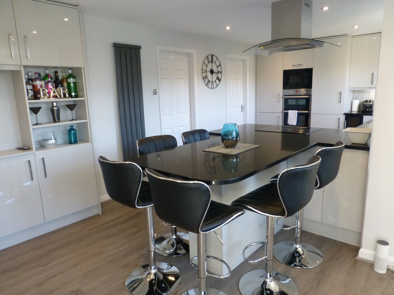 LIGHT GREY GLOSS KITCHEN SUPPLIED & FITTED 2018