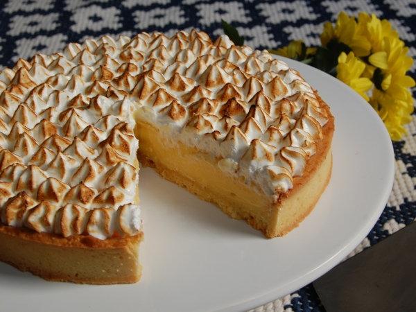 10 inch Lemon Merinque Tart