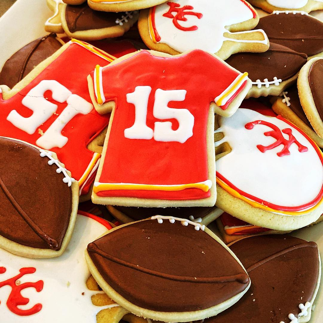 Chiefs cookies.jpg