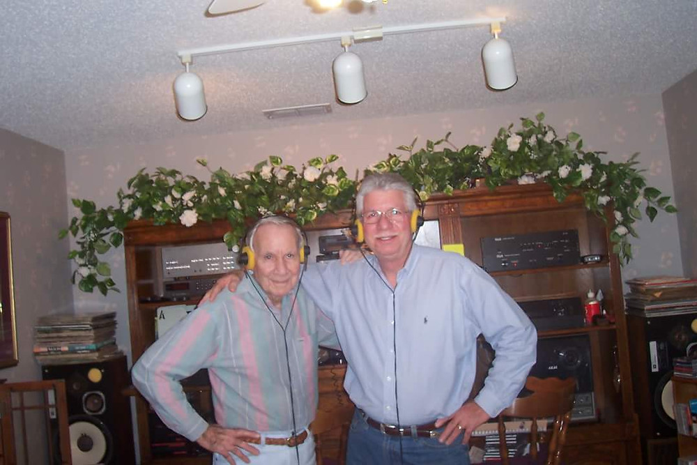 Pop & Tom Jr., listening to music, one of their passions