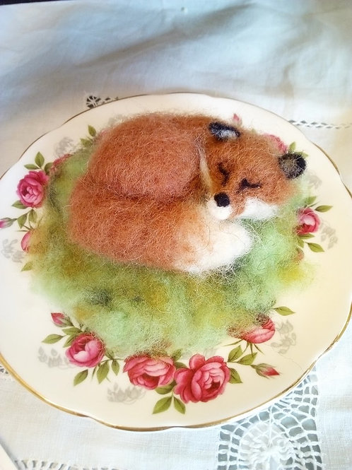 Sleepy felt fox