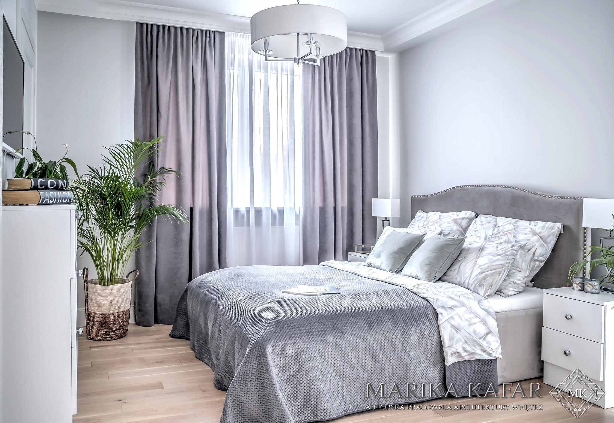 Marika Kafar. Projekt sypialni w jasnych kolorach z dominacją szarości.