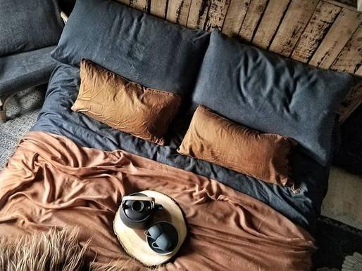 Niech powieje nostalgią! Sypialnia w stylu boho.