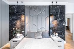 sypialnia z czarnym kamieniem