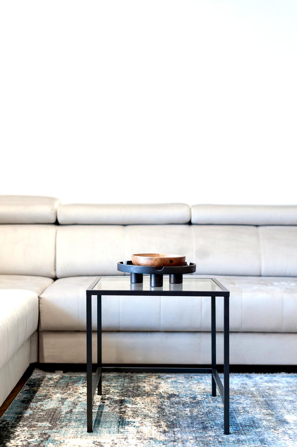 Marika Kafar. Salon z charakterystycznym dywanem.