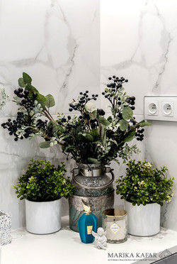Marika Kafar. Ozdobne kwiaty w łazience.