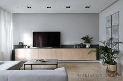 Marika Kafar. Projekt salonu z drewnianymi elementami.