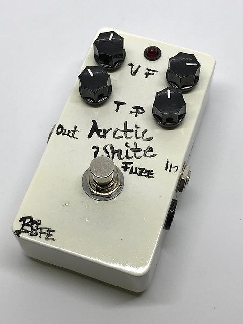 BJFe Arctic White Fuzz 4K