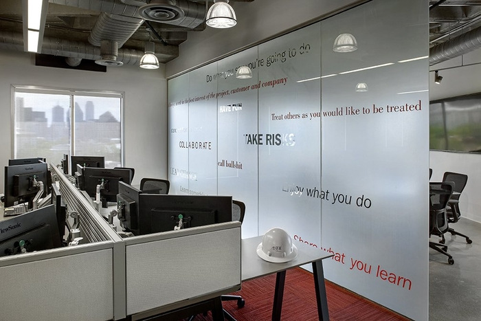 dpr-dallas-office-design-4-700x467