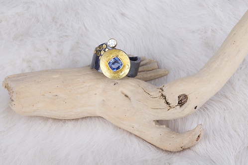 Mixed Metals Sapphire Ring (04086)