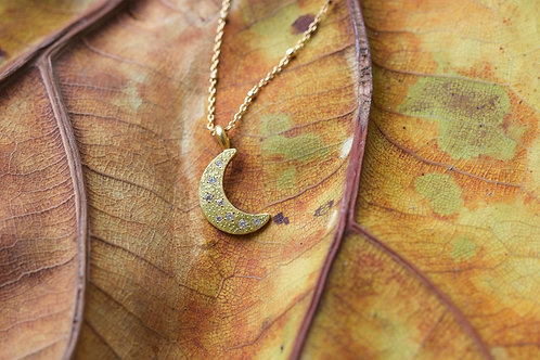 Gold Moon and Diamond Pendant (05680)