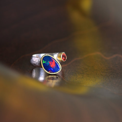 Opal and Sapphire Ring (06915)