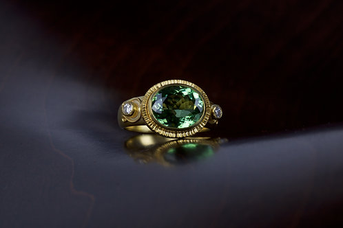Tourmaline and Gold Ring (05092)