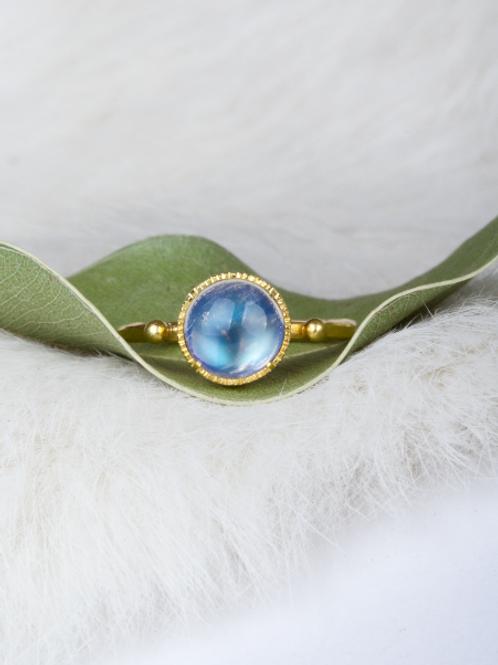 Gold Moonstone Ring (04560)
