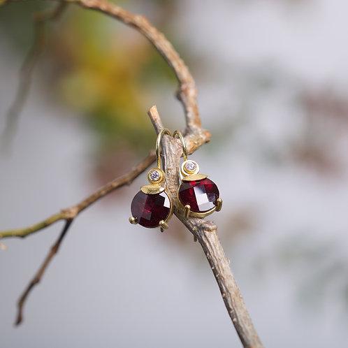 Garnet and Diamond Earrings (05980)