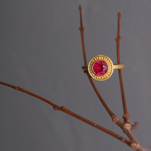 Ruby and Gold Ring (06012)