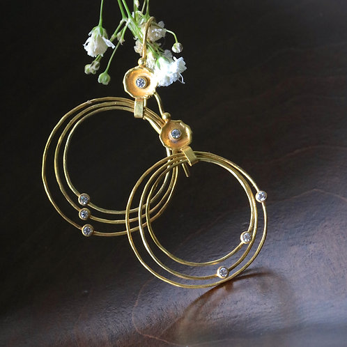 Gold Dish and Hoop Earrings (06895)