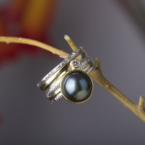 Tahitian Pearl and Diamond Ring (05877)