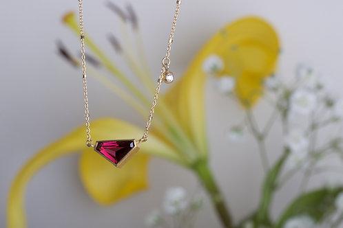Rhodolite Garnet Necklace with Charm (06524)