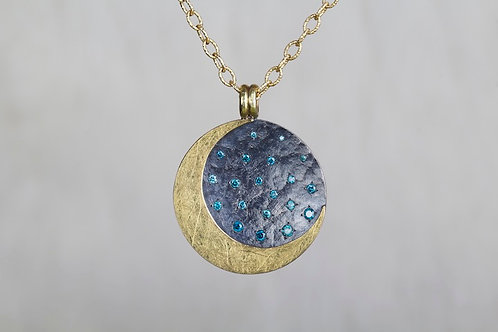 Crescent Moon Pendant (02908)