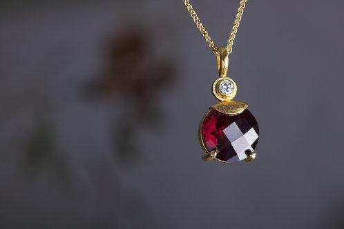 Garnet and Diamond Pendant (05981)