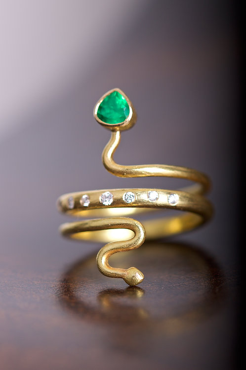 Emerald and Diamond Ring (05834)