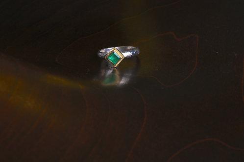 Emerald Ring (06914)