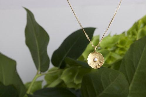 Gold Dish Pendant (06590)
