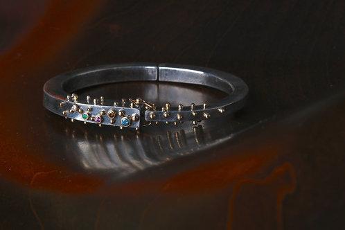 Colored Gemstone and Gold Studded Bracelet (06924)