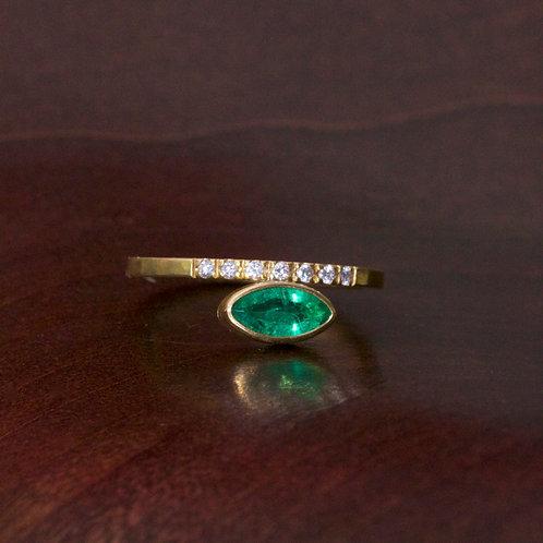 Emerald and Diamonds Ring (06493)