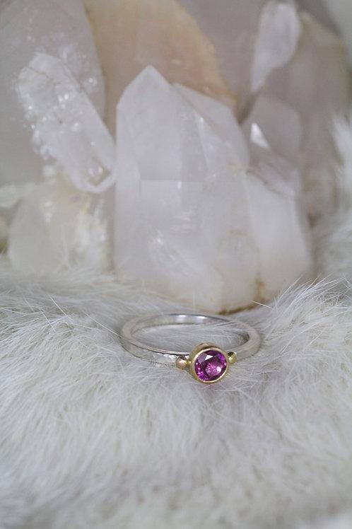 Garnet Ring (02204)