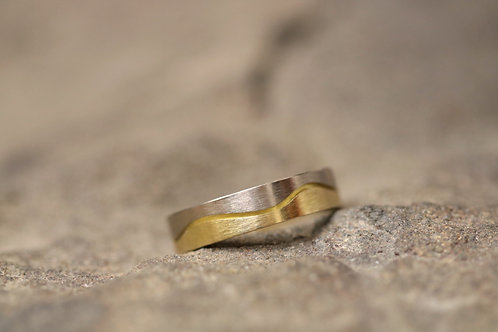 White & Yellow Gold Wave Ring (02909)