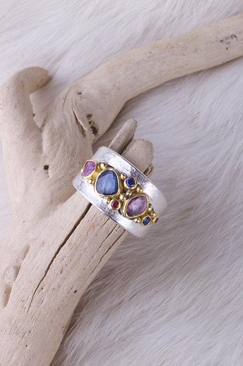 Sapphire Ring (04685)
