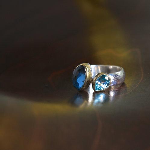 London Blue Topaz Ring (06917)