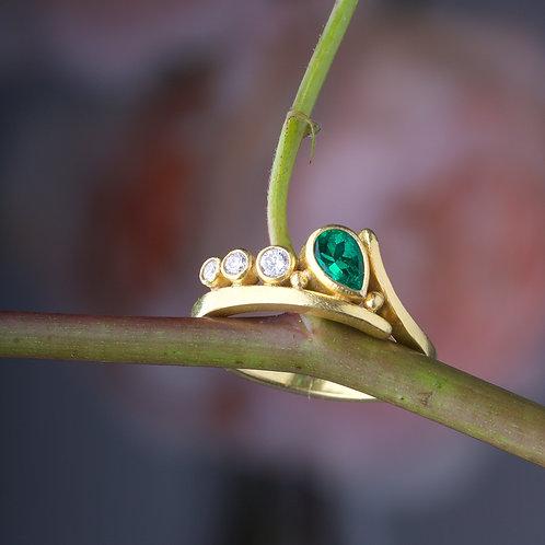 Emerald Ring (04506)