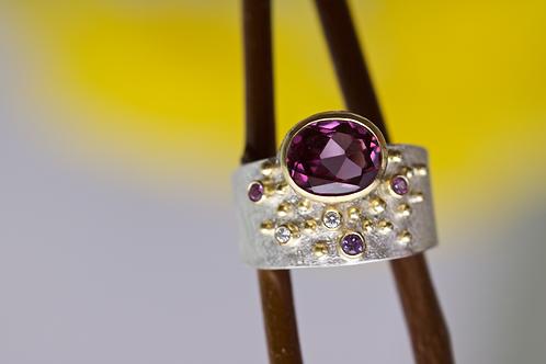 Rhodolite Garnet Ring (06122)