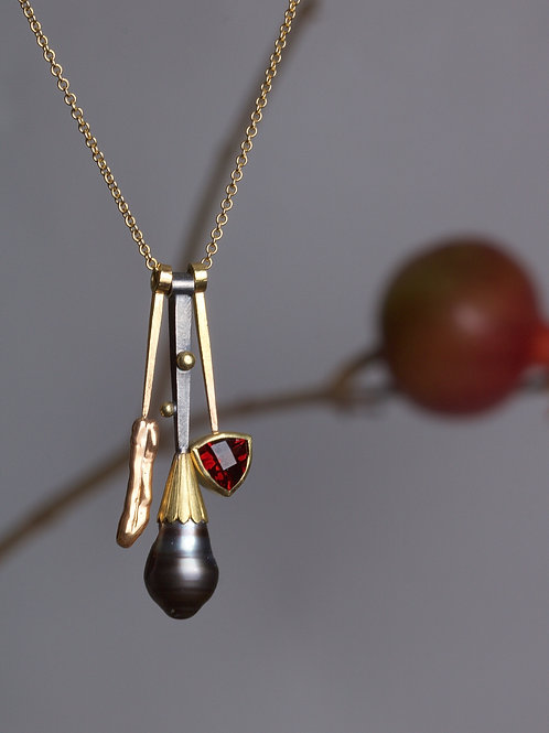 Garnet and Tahitian Pearl Charms (05831)