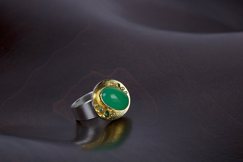 Chrysoprase and Tourmaline Ring (05190)